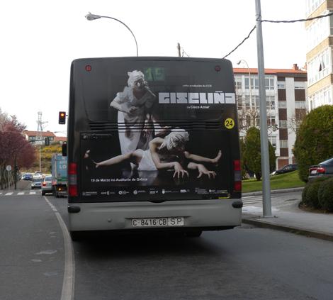 Rotulación traseira do autobús para Giseliña  (uqui)